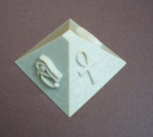 grande pyramide moule silicone motif